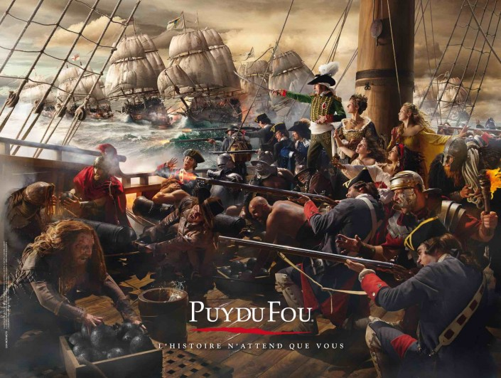 pont de navire 18eme, canons, voiles, mât, foule costumes historiques.
